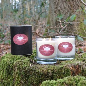 red velvet and oud luxury soy wax candle