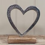 Hammered Heart on block 17cm